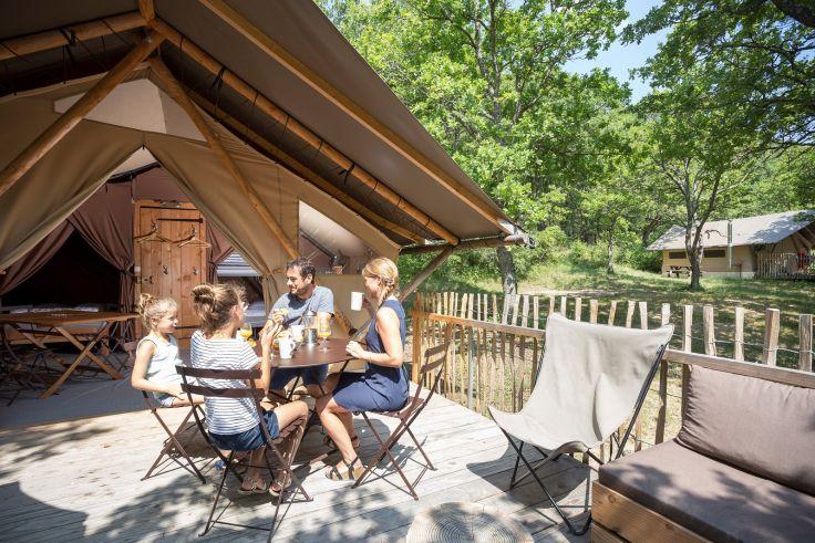 Safarizelt auf dem Campingplatz Huttopia Dieulefit