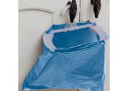 Müllbeutelhalter sind flach wie ein Kleiderbügel