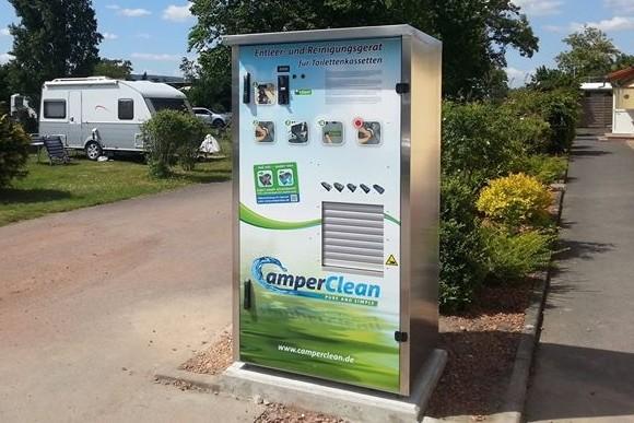 CamperClean Automat auf einem Campingplatz