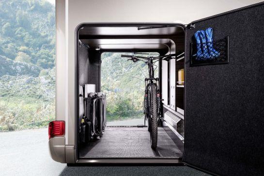 Fahrräder sicher in der Heckgarage verstauen