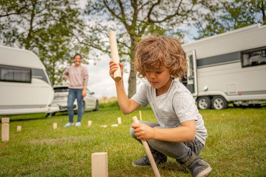 Lustige Outdoor-Spiele für Kinder und Erwachsene