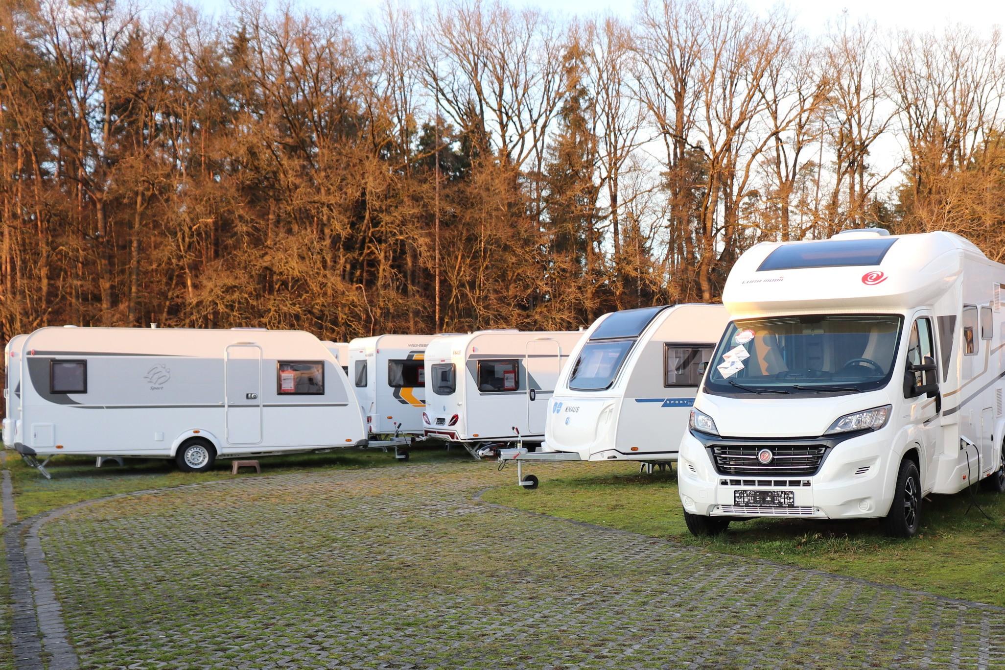 Wohnmobil / Wohnwagen kaufen oder mieten?  Berger Blog - Berger Blog