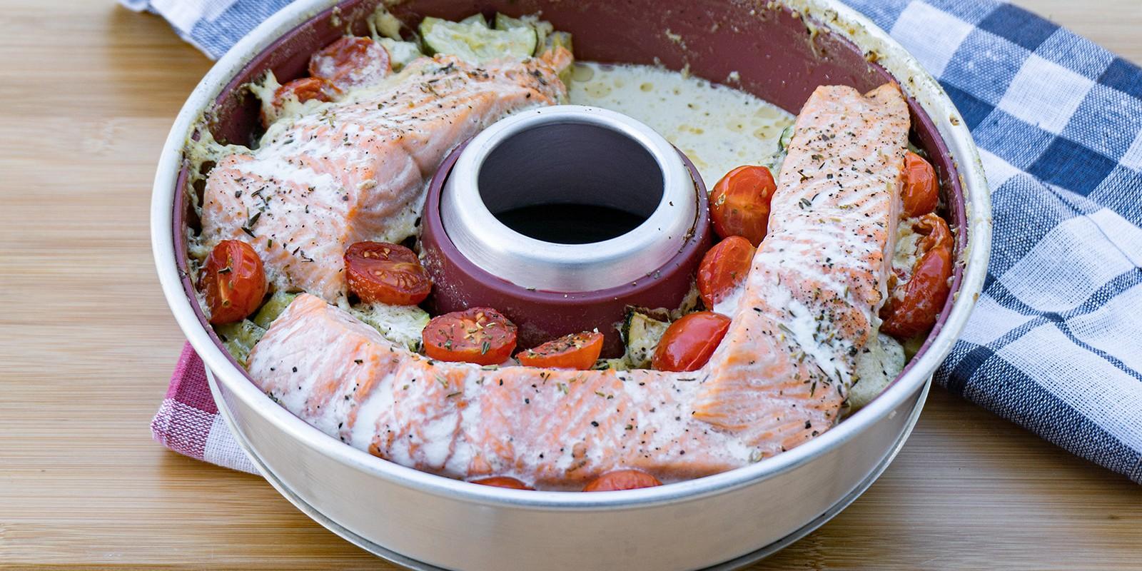 <span>Omnia Rezept - Zucchini-Kartoffelgratin mit Lachs</span>